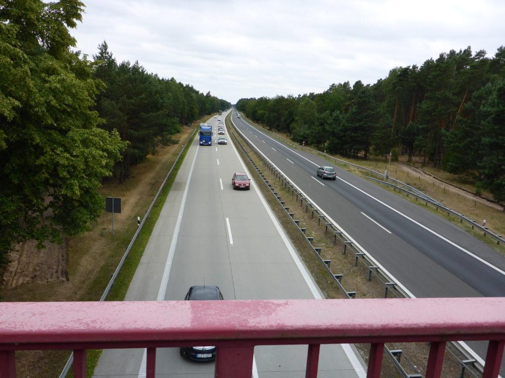 Autobahnbrücke über die A11